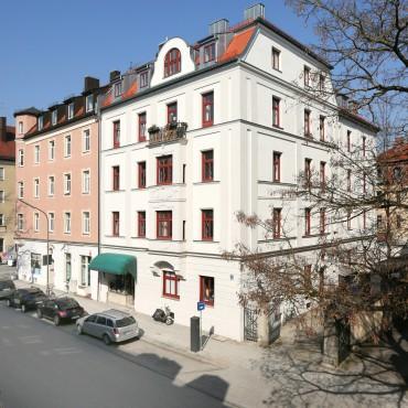Spitzwegstraße 8